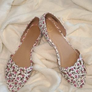 So Authentic American Heritage floral flats